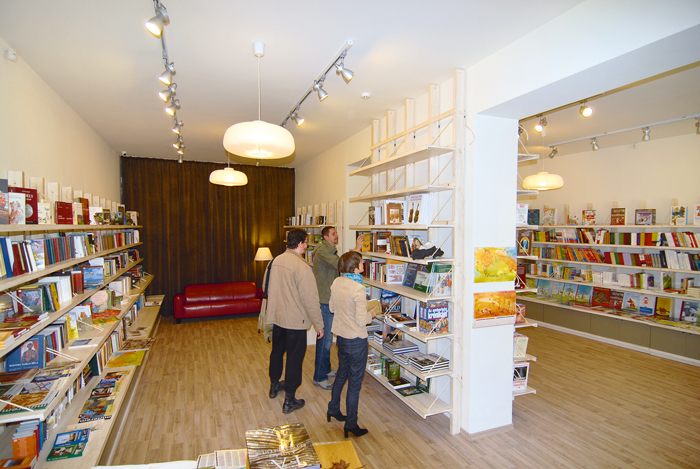Családbarát könyvesbolt nyílt Csíkszeredán