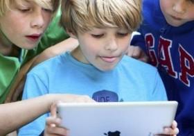 NMHH: a vizsgált honlapok kevesebb mint fele védi megfelelően a kiskorúakat a káros tartalmaktól